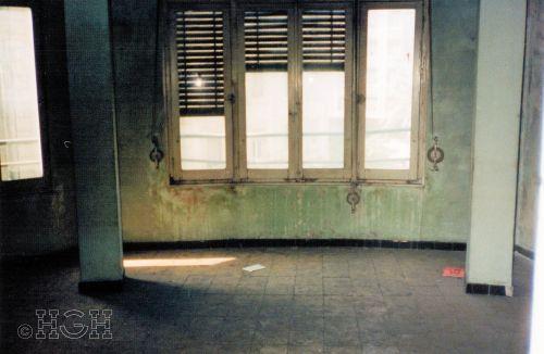 Estado original del mirador y ventanales del piso en barrio ensanche, ruzafa, Valencia. Proyecto realizado íntegramente por Global Home Happiness.