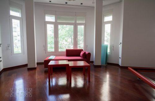 Detalle habitación matrimonio con ventanal y zona del mirador del piso en barrio ensanche, ruzafa, Valencia. Proyecto realizado íntegramente por Global Home Happiness.