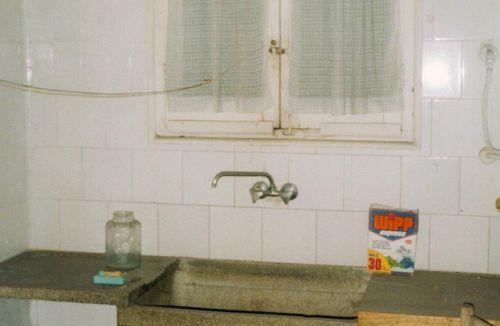 Estado original cocina del piso en barrio ensanche, ruzafa, Valencia. Proyecto realizado íntegramente por Global Home Happiness.