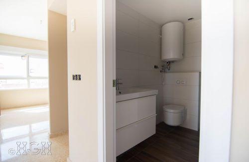 Baño reformado del piso en valencia. Construcción y reforma realizada íntegramente por personal de Global Home Happiness.