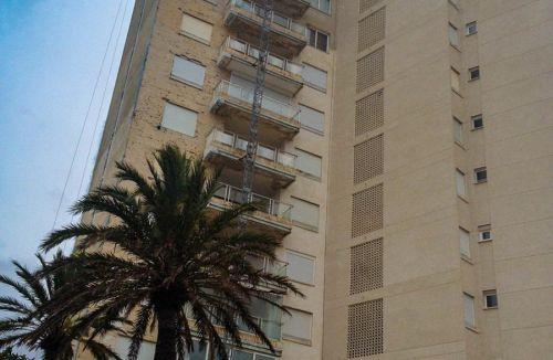 Alzado vista general del Proyecto básico y de ejecución del Edificio Torre del Castillo, en Jávea, Alicante. Proyecto, dirección de obra y rehabilitación de fachada realizada íntegramente por personal de Global Home Happiness.