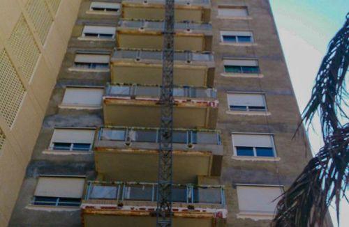 Alzada vista lateral del Proyecto básico y de ejecución del Edificio Torre del Castillo, en Jávea, Alicante. Proyecto, dirección de obra y rehabilitación de fachada realizada íntegramente por personal de Global Home Happiness.
