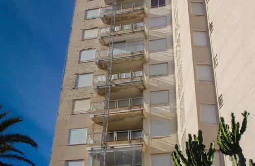 Vista fachada D del Proyecto básico y de ejecución del Edificio Torre del Castillo, en Jávea, Alicante. Proyecto, dirección de obra y rehabilitación de fachada realizada íntegramente por personal de Global Home Happiness.
