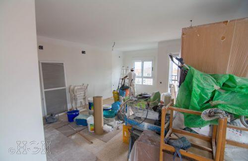 Trabajos generales de pintura del comedor salón del piso en valencia. Construcción y reforma realizada íntegramente por personal de Global Home Happiness.