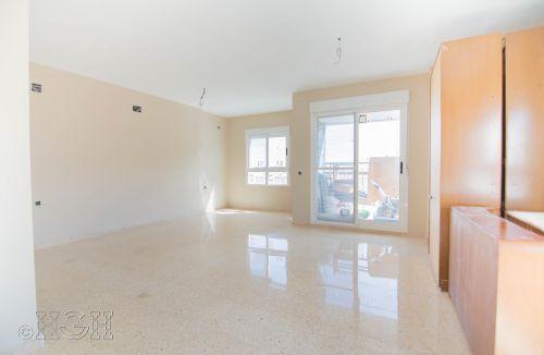 Vista de resultados de la pintura del comedor salón del piso en valencia. Construcción y reforma realizada íntegramente por personal de Global Home Happiness.