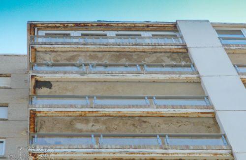 Detalle actuaciones en balcones fachada E del Proyecto básico y de ejecución del Edificio Torre del Castillo, en Jávea, Alicante. Proyecto, dirección de obra y rehabilitación de fachada realizada íntegramente por personal de Global Home Happiness.