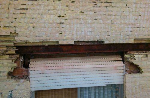 Vista y detalle de estado de fachada y ventanas del Proyecto básico y de ejecución del Edificio Torre del Castillo, en Jávea, Alicante. Proyecto, dirección de obra y rehabilitación de fachada realizada íntegramente por personal de Global Home Happiness.